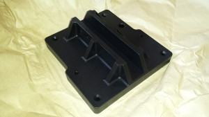 Black anodised aluminium mast step.
